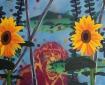 2 zonnebloemen en een aap, 65 x 52,5 cm, spuitverf en olieverf op linnen, 2013